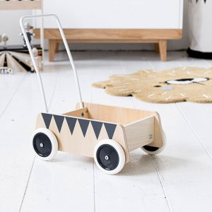 circus-theme-wooden-baby-walker-petite-amelie-2
