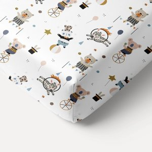 kids-single-bed-fitted-sheet-white-circus-funfair-print-200x90-petite-amelie-1