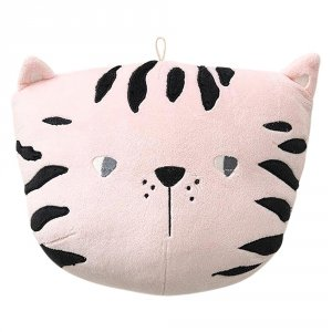 kitty-cat-in-pink-bedroom-wall-decor-animal-heads-petite-amelie