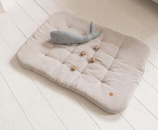play mat with soft plush toy